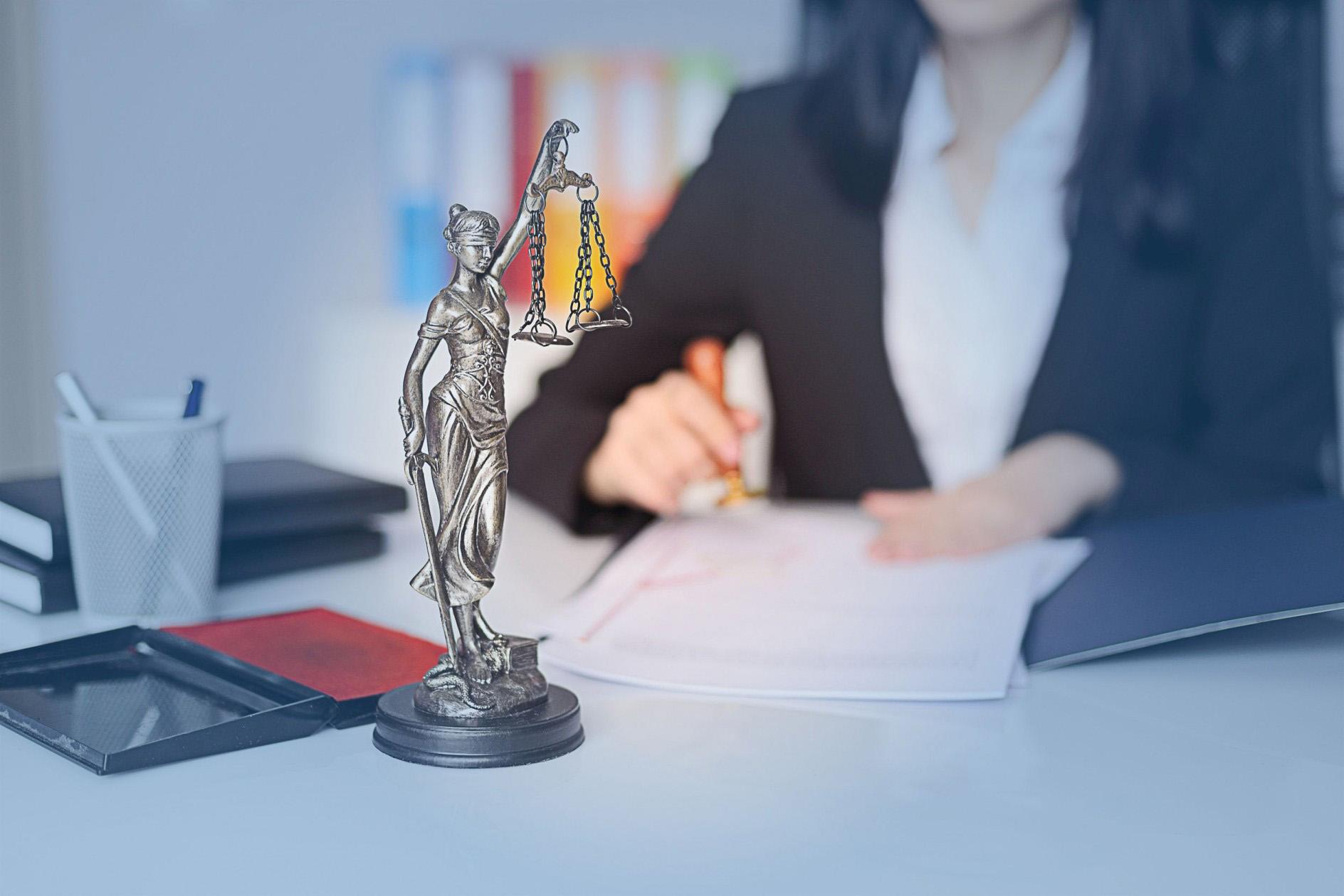Kancelaria zapewnia kompleksową obsługę prawną firm