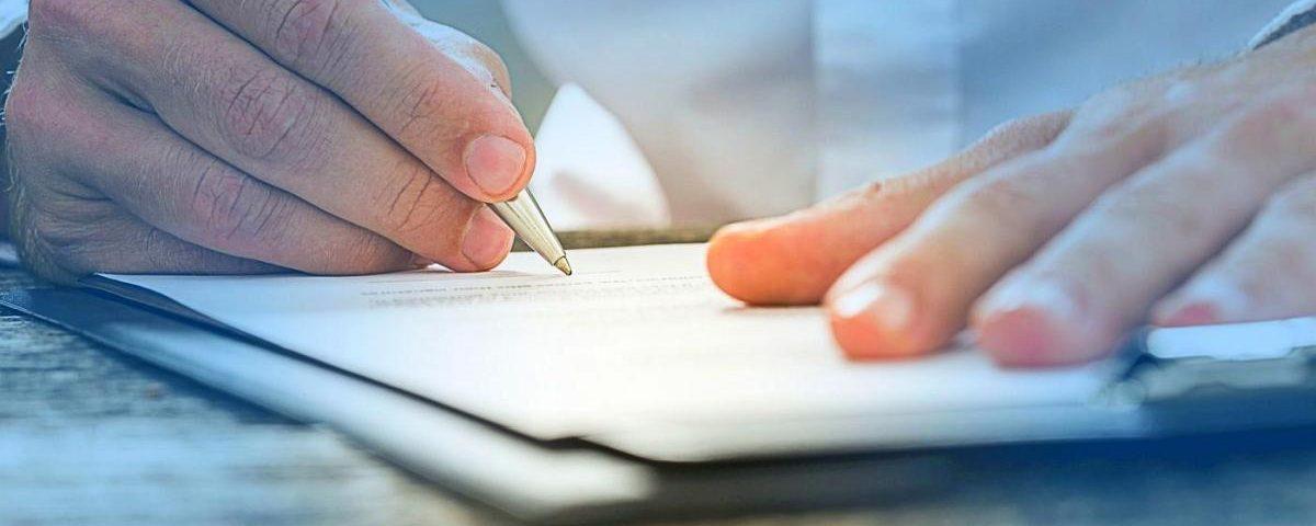 testament własnoręczny jak napisać testament adwokat Kluczbork adwokat Wrocław adwokat Opole pomoc prawna Adwokat Agnieszka Cisowska-Chruścicka prawo